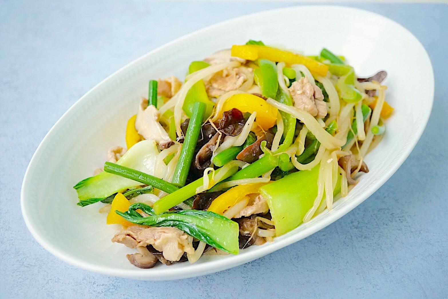 レシピ|オイルを加えたお湯でサッとゆでればプロの味♪チンゲン菜ともやしのスタミナ野菜炒め